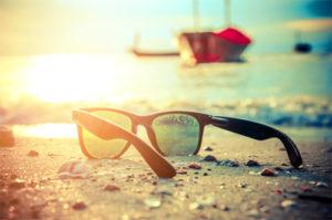Protection des UV à la mer - Opticien à STRASBOURG